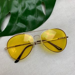 • Classic Gold Frame, Yellow Lens Aviator •
